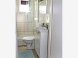 Baie - Cameră S-2350-c - Apartamente și camere Novi Vinodolski (Novi Vinodolski) - 2350