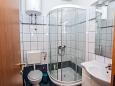 Bathroom - Apartment A-10014-d - Apartments Mali Rat (Omiš) - 10014