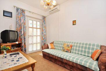 Apartment A-10023-a - Apartments Seget Donji (Trogir) - 10023