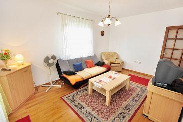 Apartment A-10023-c - Apartments Seget Donji (Trogir) - 10023
