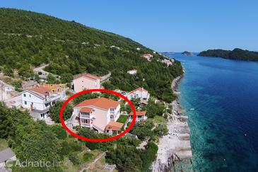 Property Karbuni (Korčula) - Accommodation 10045 - Apartments near sea.