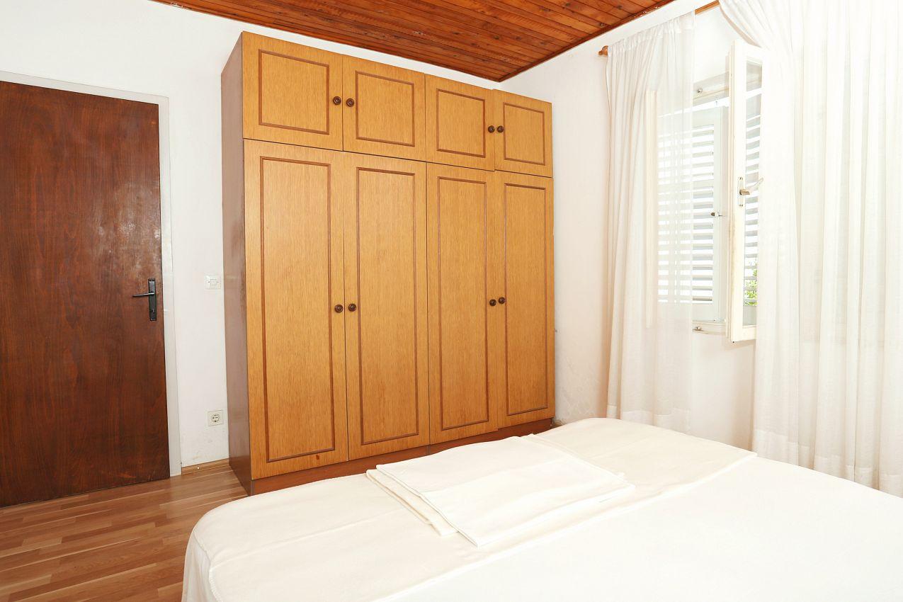 Apartmány s parkoviskom v meste Orebić - 10102