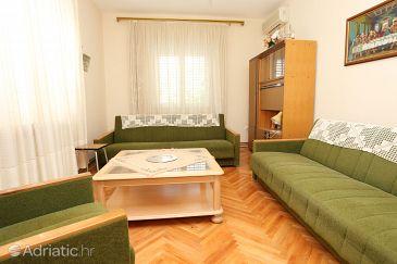 Sreser, Living room u smještaju tipa apartment, dostupna klima.