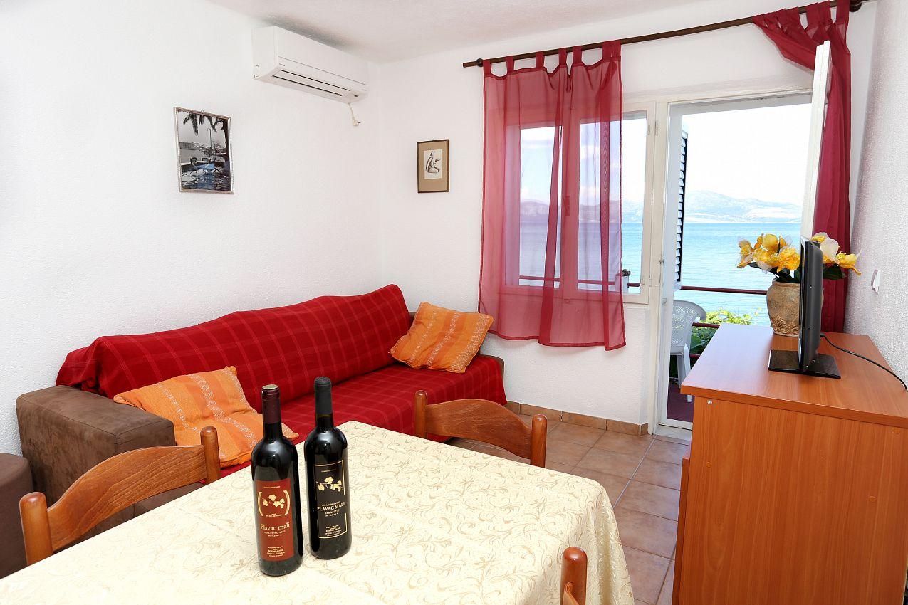 Apartmán na pláži v meste Drače - 10130
