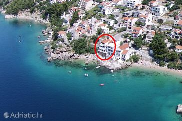 Property Pisak (Omiš) - Accommodation 1018 - Apartments near sea with pebble beach.