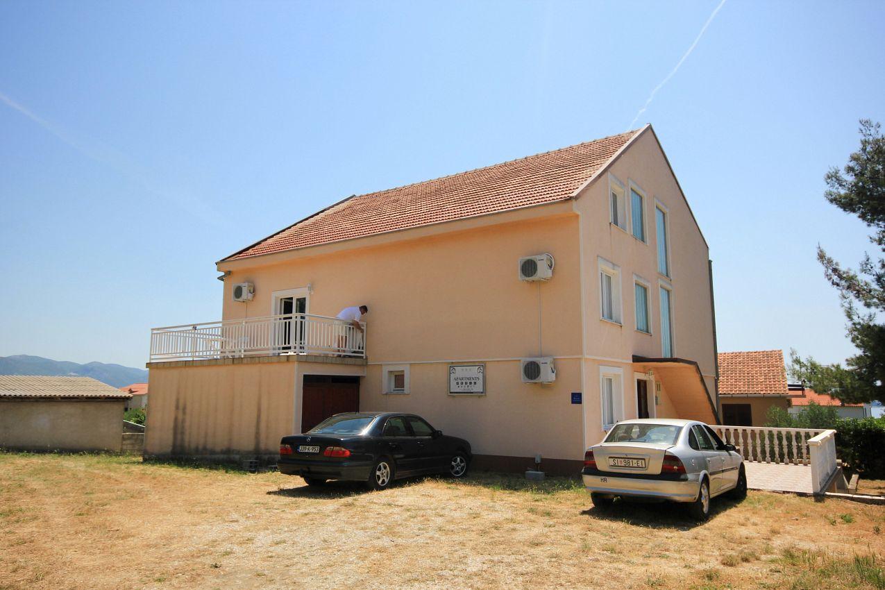 Apartmány s parkoviskom v meste Orebić - 10192