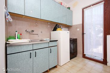 Orebić, Kitchen u smještaju tipa apartment.