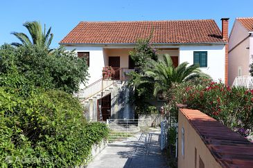 Property Sreser (Pelješac) - Accommodation 10206 - Apartments near sea with pebble beach.