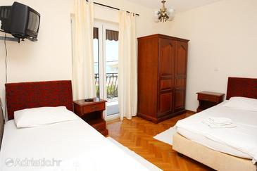 Podstrana, Bedroom u smještaju tipa room, dostupna klima i WIFI.