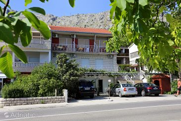 Property Duće (Omiš) - Accommodation 10304 - Apartments near sea with sandy beach.