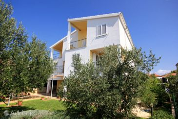 Property Žaborić (Šibenik) - Accommodation 10319 - Apartments near sea with pebble beach.