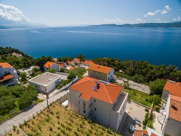 Property Marušići (Omiš) - Accommodation 10330 - Apartments with pebble beach.