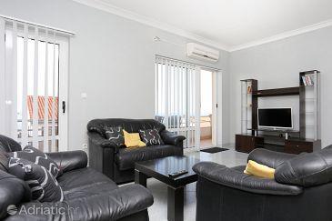 Apartment A-10348-a - Apartments Podstrana (Split) - 10348