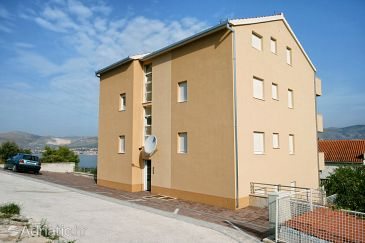 Property Mastrinka (Čiovo) - Accommodation 10364 - Apartments with pebble beach.