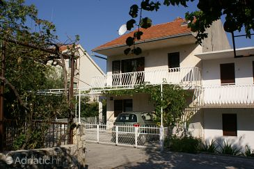 Seget Vranjica, Trogir, Property 1050 - Apartments blizu mora with pebble beach.