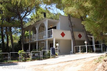 Property Balića Rat (Omiš) - Accommodation 1065 - Apartments near sea with pebble beach.