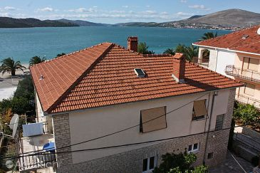 Property Okrug Gornji (Čiovo) - Accommodation 1072 - Apartments near sea with pebble beach.