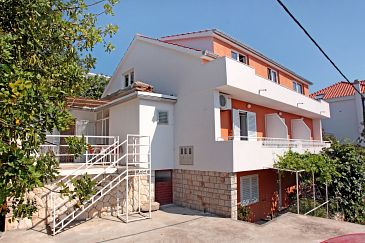Property Hvar (Hvar) - Accommodation 109 - Apartments and Rooms with pebble beach.