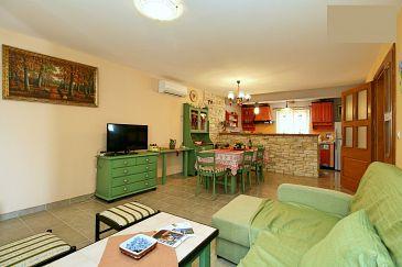 Kaštel, Obývací pokoj u smještaju tipa house, dopusteni kucni ljubimci i WIFI.