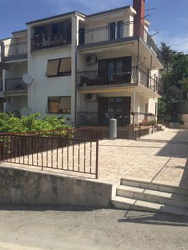 Property Podstrana (Split) - Accommodation 11005 - Apartments with pebble beach.