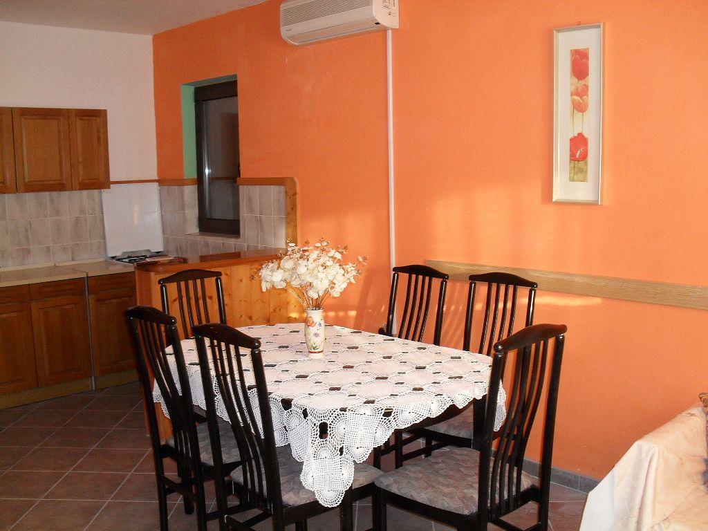 Apartmán na pláži v meste Dinjiška - 11061