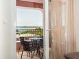 Maslenica, Balcony u smještaju tipa apartment, s pogledom na more.