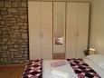 Bedroom 1 - Apartment A-11088-a - Apartments Milna (Brač) - 11088