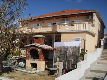 Property Zubovići (Pag) - Accommodation 11125 - Rooms near sea.