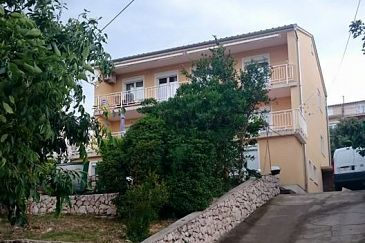 Property Novi Vinodolski (Novi Vinodolski) - Accommodation 11127 - Apartments with pebble beach.
