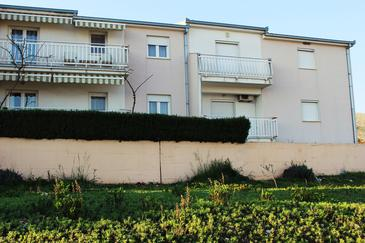 Seget Donji, Trogir, Property 11171 - Apartments with pebble beach.