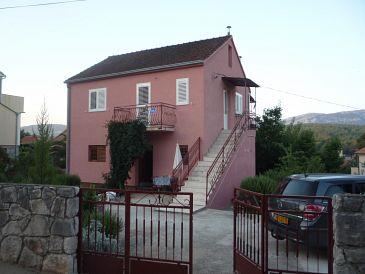 Property Vrboska (Hvar) - Accommodation 11178 - Apartments with rocky beach.