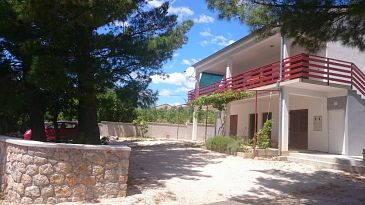 Property Seline (Paklenica) - Accommodation 11197 - Apartments near sea with pebble beach.
