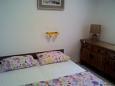 Bedroom 1 - Apartment A-11330-a - Apartments Drašnice (Makarska) - 11330