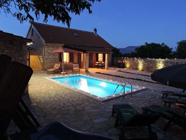 Property Gluići (Krka) - Accommodation 11337 - Vacation Rentals with pebble beach.