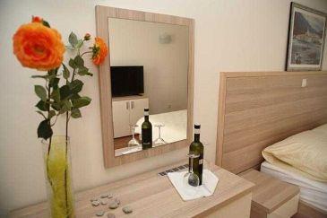 Room S-11340-c - Rooms Nemira (Omiš) - 11340