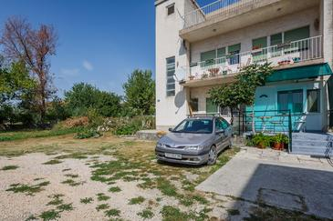 Property Kaštel Stari (Kaštela) - Accommodation 11352 - Apartments near sea with pebble beach.