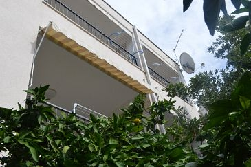 Property Makarska (Makarska) - Accommodation 11361 - Apartments with pebble beach.