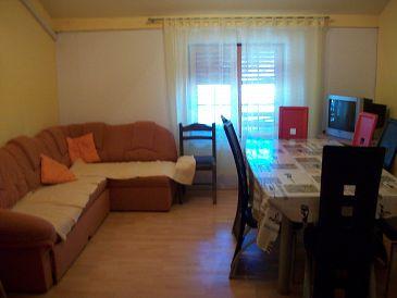 Biograd na Moru, Living room u smještaju tipa apartment, dostupna klima, dopusteni kucni ljubimci i WIFI.