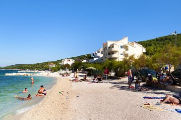 Property Slatine (Čiovo) - Accommodation 1139 - Apartments and Rooms near sea with pebble beach.