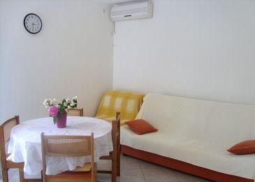 Maslinica, Dining room u smještaju tipa apartment, dostupna klima.
