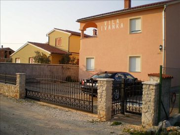 Valbandon, Fažana, Property 11438 - Apartments with pebble beach.