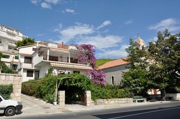Property Sumpetar (Omiš) - Accommodation 11462 - Apartments near sea with pebble beach.