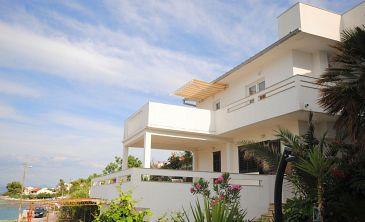 Property Arbanija (Čiovo) - Accommodation 11514 - Apartments near sea with pebble beach.