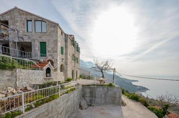Property Brela (Makarska) - Accommodation 11552 - Apartments with pebble beach.