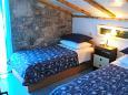 Bedroom 1 - House K-11590 - Vacation Rentals Uvala Pernatice (Drvenik) - 11590