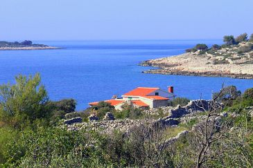 Property Uvala Pernatice (Drvenik) - Accommodation 11590 - Vacation Rentals near sea with pebble beach.
