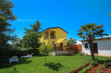 Property Dajla (Novigrad) - Accommodation 11612 - Vacation Rentals with pebble beach.
