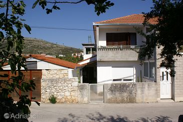 Property Marina (Trogir) - Accommodation 1162 - Apartments near sea with pebble beach.