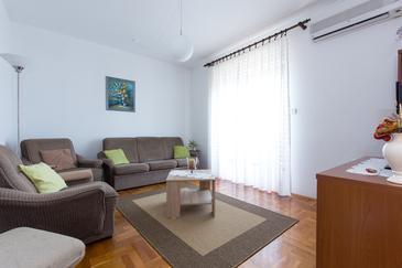 Apartment A-11702-a - Apartments Novi Vinodolski (Novi Vinodolski) - 11702