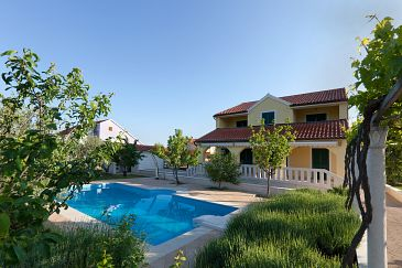 Property Lozovac (Krka) - Accommodation 11715 - Vacation Rentals with pebble beach.